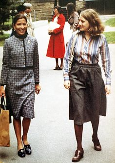 Ruth Bader Ginsburg visits her daughter Jane at Harvard Law School in Ruth Bader Ginsburg Young, Great Women, Amazing Women, Lawyer Fashion, Badass Women, Women In History, New Wave, Powerful Women, Boss Lady