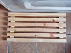 Wooden bath mat Timber Slats, Wooden Bath, Teak Oil, Pallet Creations, Easy Projects, Bath Mat, Blog, Home Decor, Decoration Home