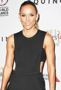 Olympian Lolo Jones works out very hard but admits there are some days when she just doesn't want to get out of bed to hit the gym Athletic Women, Athletic Tank Tops, Celebrity Bodies, Celebrity Women, Lolo Jones, Beautiful Athletes, Love Fitness, Sporty Girls, Fifty Shades Of Grey