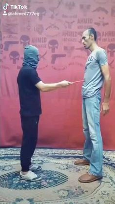 Martial Arts Techniques, Self Defense Techniques, Self Defense Martial Arts, Body Hacks, Camping And Hiking, Outdoor Survival, Karate, Exercise, Workout