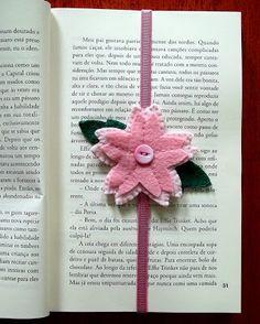 Blog Juliana Gordilho: Marcador de página - flor de cerejeira em feltro