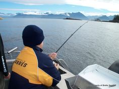 Join us for Juneau Fishing Charters that focus on Salmon, Halibut, and Rockfish. Free Transportation from your Hotel or Cruise Ship! Alaska Book, Alaska Fishing, Rockfish, Fishing Charters, Halibut, Going Fishing, Salmon, Cruise, Bucket