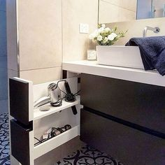 Small bathroom organization Ideas that will add more spaces during relaxation Pa. - Small bathroom organization Ideas that will add more spaces during relaxation Part 33 Bathroom Furniture, Bathroom Interior Design, Interior, Small Bathroom Organization, Small Bathroom Decor, Small Bathroom, Small Organization, Bathroom Decor, Bathroom Renovation