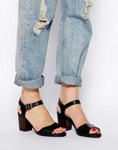 New Look – Quiet – Sandalen mit Blockabsatz und breiter Passform