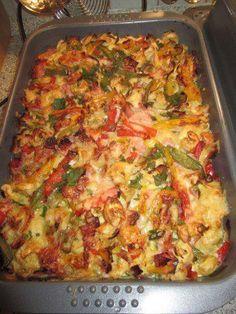 Das perfekte Bunter Tortellini-Auflauf-Rezept mit Bild und einfacher Schritt-für-Schritt-Anleitung: Tortellini nach Packungsanleitung kochen, abgießen…