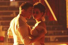 This moment at the beginning was genius. Derek Hough and Maria Menounos (ABC/ADAM TAYLOR)