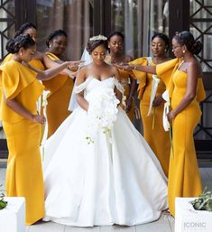 HOW TO WEAR AFRICAN BRIDESMAID DRESSES IN 2021? Maid Of Honour Dresses, Maid Of Honor, Wedding Dress Trends, Wedding Dresses, Wedding Ideas, African Bridesmaid Dresses, Advice For Bride, Dress Robes, Bride Gowns
