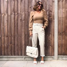 Neutral outfit idea | For more style inspiration visit 40plusstyle.com Neutral Outfit, White Jeans, Style Inspiration, Pants, Outfits, Fashion, Trouser Pants, Moda, Suits