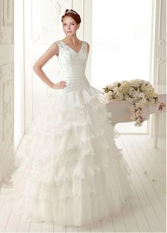 SEXY ORGANZA STABILIZED TRICOT BALL GOWN V-NECK STRAPPED SLEEVELESS PLEATED WEDDING GOWN