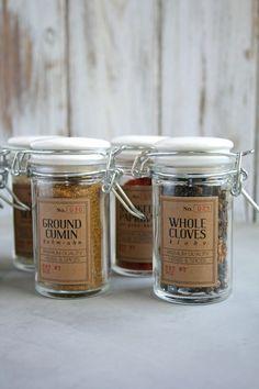 DIY Spice Jar Labels with Free Printable  |