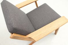 Pair of GE290 lounge chairs by Hans J. Wegner