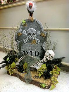He has his father's eyes. Halloween Diorama, Halloween Tombstones, Halloween Displays, Halloween Graveyard, Halloween Skeletons, Quick Halloween Crafts, Halloween Projects, Fall Halloween, Halloween Porch Decorations