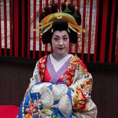 A woman dressed as a tayu.