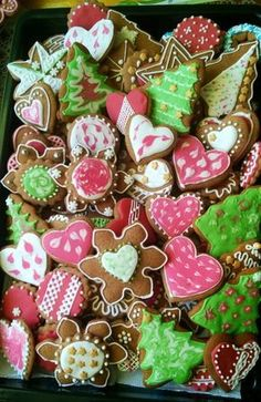 Moje Wypieki | Pierniczki (przepis II) Candy Making, Christmas Baking, Delish, Food And Drink, Menu, Sugar, Cookies, Sweet, Recipes