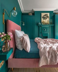 Loving this bright bedroom decor! This London Edwardian home was renovated into a contemporary, colorful, and eclectic family home that is both functional and fabulous for modern family life. for bedroom wohnung decoration dekorieren einrichten ideen Green Bedroom Decor, Bedroom Wall Colors, Bright Bedroom Colors, Teal Bedroom Walls, Teal Bedrooms, Blush Bedroom, Bedroom Romantic, Teal Walls, Best Colour For Bedroom