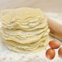 Тесто на манты на минералке рецепт с фото - 1000.menu Dumplings, Blueberry, Peanut Butter, Pasta, Recipies, Food And Drink, Favorite Recipes, Bread, Cheese