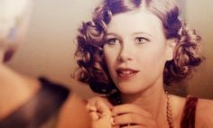 love her hair The Razors Edge, 1920s Hair, Dark City, 20s Fashion, Pin Curls, Roaring 20s, Vintage Glamour, Country Girls, Her Hair