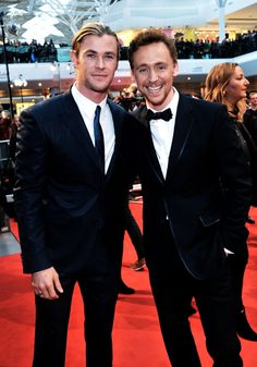 I like Hemsworth much better when he is in combination with Hiddleston.