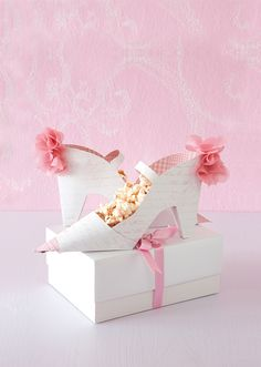 DIY with Template - Perfect for your shoe-loving friend. Make two and fill them with something delicious, such as our pink chocolate-coated popcorn.