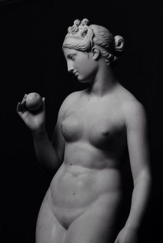 Bertel Thorvaldsen. Venus with Apple. 1813-1816