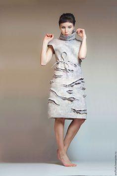 Платья ручной работы. Тёплое валяное платье с высоким воротником и поясом.. Алёна Мирошниченко. Интернет-магазин Ярмарка Мастеров.