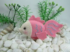whimsy fish in felt...NO patterns