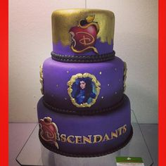 evie descendant cakes | Descendants#descendants #descendientes #evie #carlos…