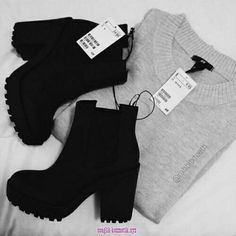 Shoes For You At The End Of The Year :- AwesomeLifestyleFashion en 2020 Aesthetic Shoes, Aesthetic Clothes, Heeled Boots, Shoe Boots, Shoes Heels, Sneakers Fashion, Fashion Shoes, Fashion Outfits, Girl Fashion