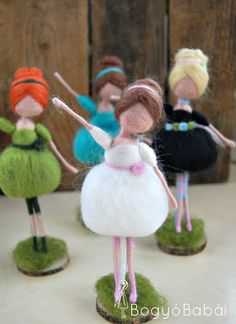 A bouquet of balerinas Custom orders are welcome in my shop!Your projects — The Fono Arts and Crafts Handmade Shop, Handmade Toys, Needle Felting Tutorials, Felt Fairy, Clothespin Dolls, Craft Free, Flower Fairies, Needle Felted Animals, Fairy Dolls
