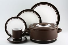 hornsea pottery - contrast
