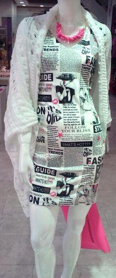 Haljina sa uzorkom printa.