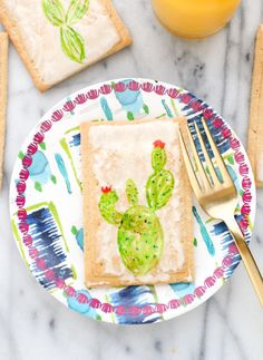 A Kailo Chic Life: Make It - Cacti Pop-Tarts - Up your brunch game with these cacti painted pop tarts. Themed breakfast