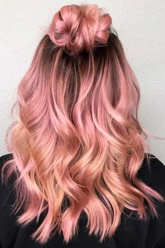 """27 Rose Gold Hair Color Ideas That Make You Say """"Wow!"""" 27 Rose Gold Hair Color Ideas That Make You Say """"Wow!"""", Rose Gold Hair Color Gold Pink Hair Colors Fashion for certain colors and shades can walk Gold Hair Colors, Hair Color Pink, Cool Hair Color, Hair Colours, Peachy Pink Hair, Gold Colour, Rose Pink Hair, Rose Hold Hair, Blonde Hair With Color"""