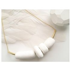Very easy to wear necklace that gives a sense of elegance and style to your attire. It hangs above the chest.