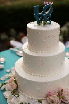 Google Image Result for http://www.mywedding.com/blog/wp-content/gallery/stefanie-joshua/wedding-cake-pink-white-circles-love.jpg