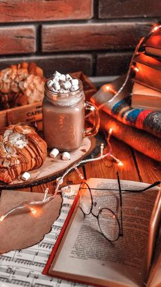 Favorite drink colddrinks winter snow cold days wintervibes inspiration seasons christmas food book flatlay was hat saison im januar Cozy Aesthetic, Autumn Aesthetic, Christmas Aesthetic, Aesthetic Food, Best Wallpaper Iphone, Latest Wallpaper, Wallpaper Backgrounds, Iphone Backgrounds, Halloween Wallpaper