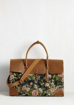 Clever Endeavor Weekend Bag in Bloom. Aim for a cute commute with this floral weekend bag. #multi #modcloth