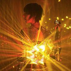 Mirrored Light Violinist  http://www.krulive.com/KruTalent/Musicians/14742/