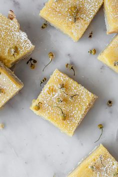 Chamomile lemon bars have a perfectly buttery shortbread crust, not-too-sweet lemon filling, and hints of floral chamomile. Chamomile Recipes, Lemon Filling, Tart Filling, Yummy Treats, Yummy Food, Ceramic Baking Dish, Lemon Custard, Lemon Cupcakes, Flower Food