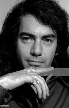 Close-up of American musician and actor Neil Diamond prior to his one?man show at the Winter Garden, New York, New York, October Get premium, high resolution news photos at Getty Images Neal Diamond, Diamond Girl, Diamond Songs, Diamond Picture, Ol Days, Interesting Faces, Close Up, Actors, American