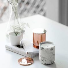 Here's a cute idea! Paint faux marble finish to older glass candle jars… Copper And Marble, Rose Gold Marble, Black Marble, Decoration Inspiration, Interior Inspiration, Design Inspiration, Decor Ideas, Home Decor Accessories, Decorative Accessories