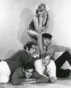 #Sixties | Aimi MacDonald, Marty Feldman, Graham Chapman, John Cleese and Tim Brooke-Taylor (At Last the 1948 Show, 1967)