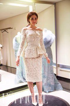 Araya A. Hargate Wedding dress