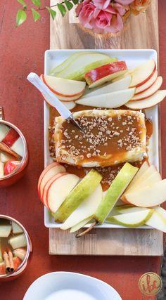 Caramel Apple Cream Cheese Spread / fall appetizer - dessert recipe via…