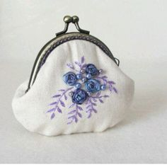 Hand embroidered cotton coin purse coin purse by JRsbags on Etsy Embroidery Purse, Silk Ribbon Embroidery, Hello Kitty Handbags, Coin Purse Tutorial, Body Necklace, Frame Purse, Embroidered Bag, Coin Bag, Quilted Bag