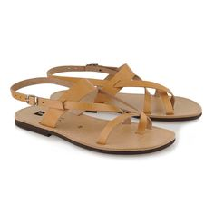 Classico natural - Leather sandals #men #women #handmade #RealLeather #ResortWear #ClassicSandals #sandals #FlatSandals #leather #AncientGreek Classic Leather, Real Leather, Ancient Greek Sandals, Designer Sandals, Black Leather Sandals, Canvas Backpack, Timeless Elegance, Resort Wear, Natural Leather