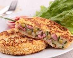 Croquettes de pommes de terre au jambon et petits pois : http://www.cuisineaz.com/recettes/croquettes-de-pommes-de-terre-au-jambon-et-petits-pois-78510.aspx