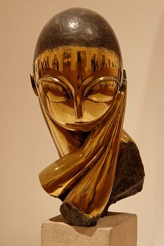 Constantin Brancusi Sculpture Painting, Lion Sculpture, Brancusi Sculpture, Modern Art, Contemporary Art, Ceramic Sculpture Figurative, Constantin Brancusi, Sculptures Céramiques, Street Art