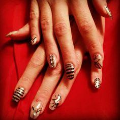 #nails #nailart #naildesign #NailSwag #collors #glitter&glamour #black&white
