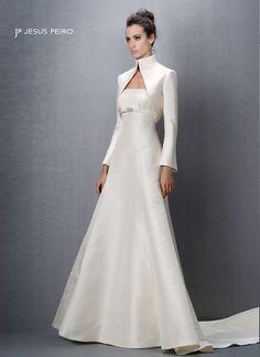 modelo 9053 chaqueta Classic Wedding Gowns, Modest Wedding Dresses, Bridal Dresses, Gaun Dress, Bridal Elegance, Dress Patterns, Beautiful Outfits, Designer Dresses, Marie